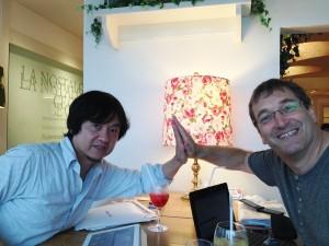(左から)山﨑さんとペーターさん